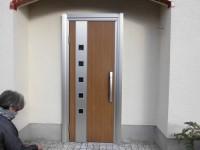 リフォの窓・玄関ドアリフォーム 奈良県生駒市 雨戸取付・玄関取替え(ドアリモ)工事